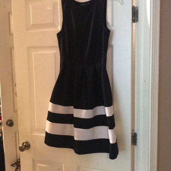 Apt 9 Black & White Dress w/ POCKETS size